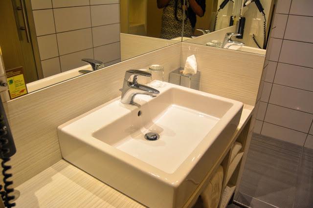 Hotel Zeitgeist Vienna Bathroom
