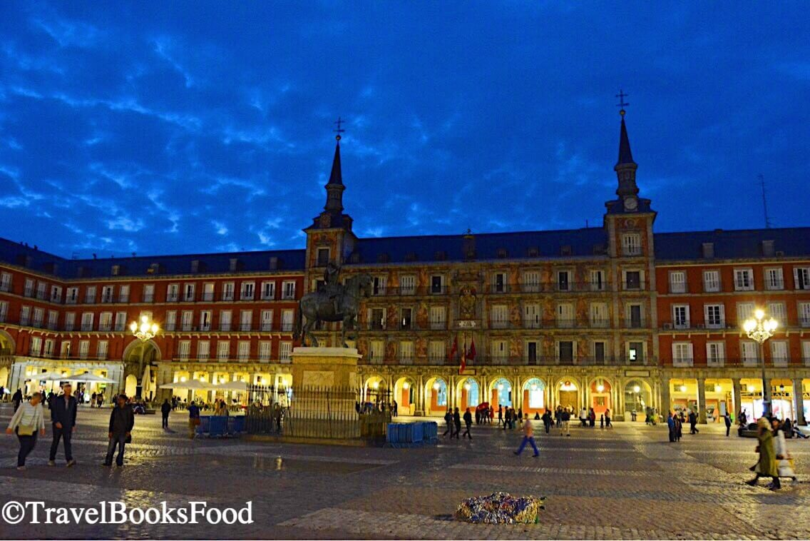Things To Do In Madrid Spain_Plaza Mayor