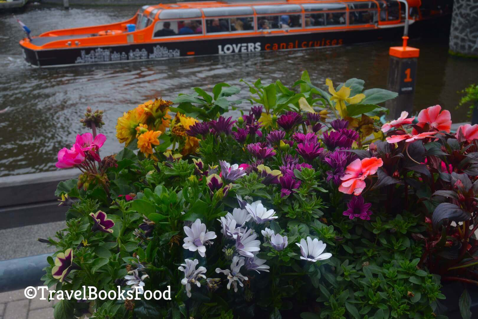 3 day Amsterdam itinerary_Canal_Cruise